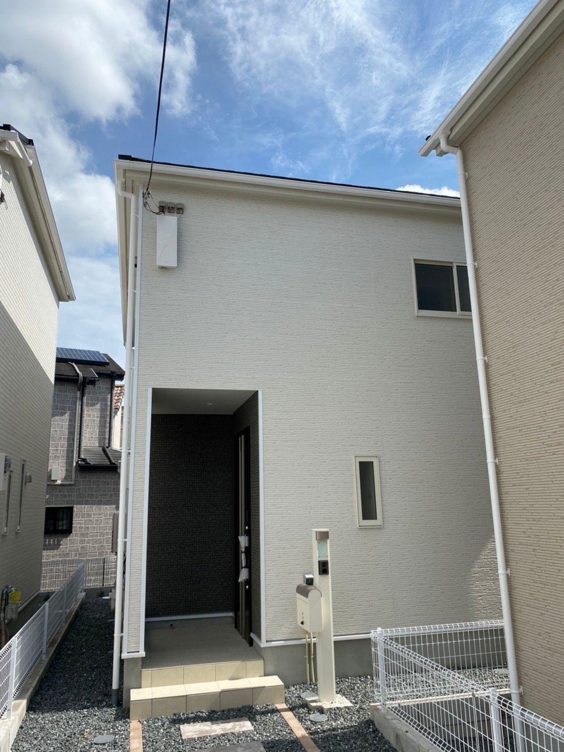 デザインアンテナ壁面、ブースター屋根裏設置 DXアンテナ(大阪府枚方市)