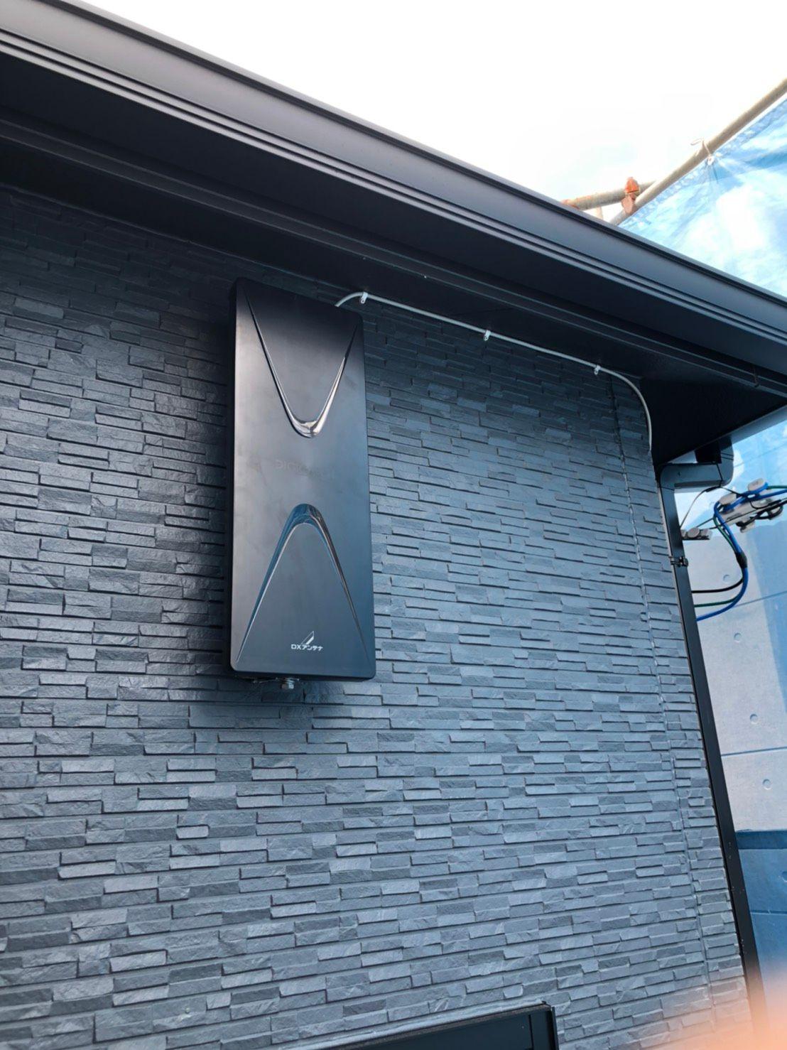 デザインアンテナ壁面設置 黒 DXアンテナ(堺市)