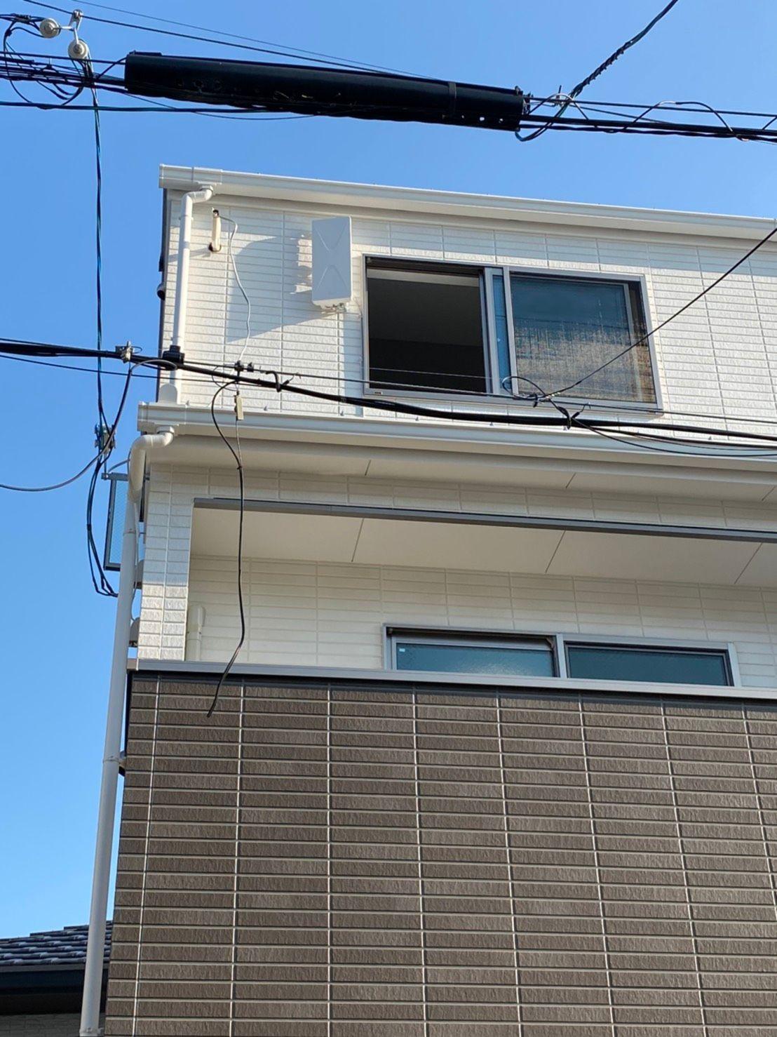 デザインアンテナ壁面設置 エアコンダクト入線 DXアンテナ(堺市)