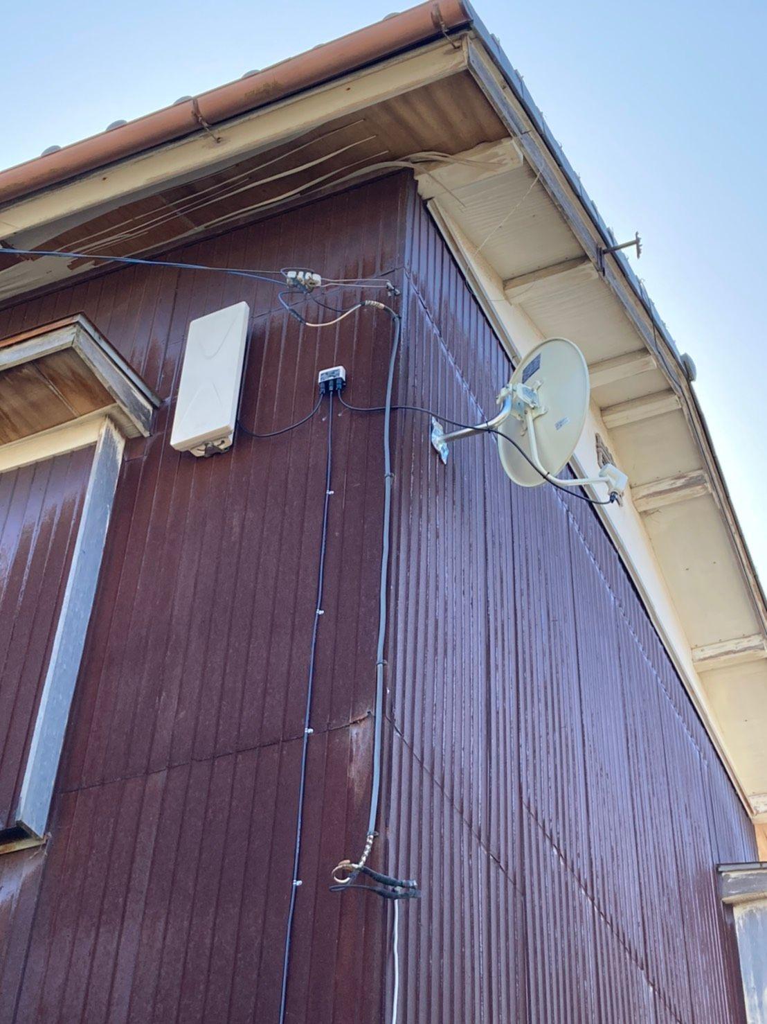 デザインアンテナ、4KBSアンテナ壁面設置(千葉県木更津市)